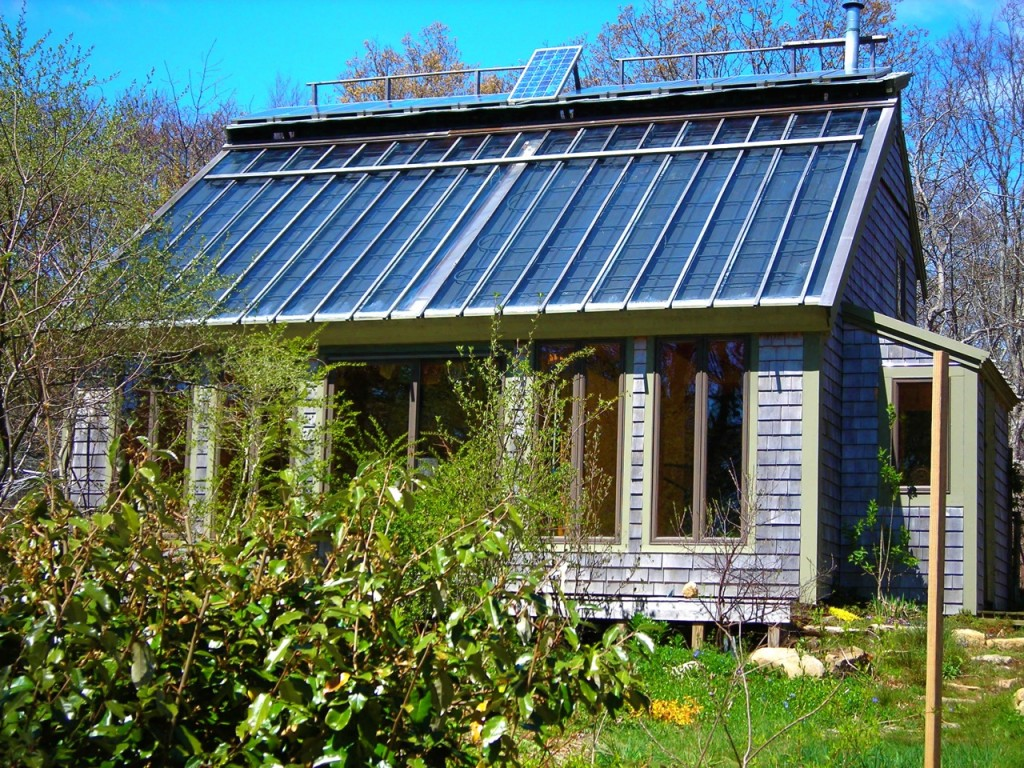 When the sun is shining, the temperature in the multi-layered Solviva roof rises to 120F in 2-3 seconds, and that heat is taken down to stone storage by just the single PV panel visible on the roof ridge.